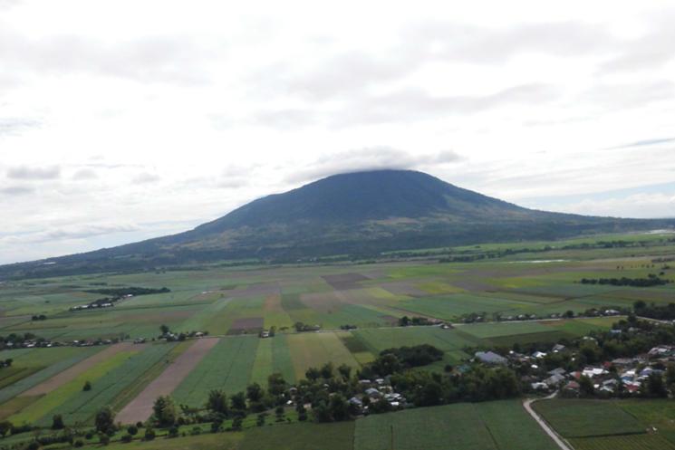 Потухший вулкан Араят