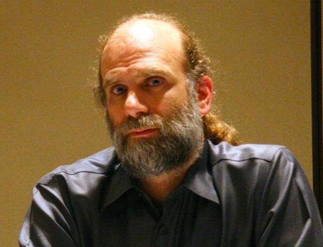 Брюс Шнайер криптограф и специалист по компьютерной безопасности