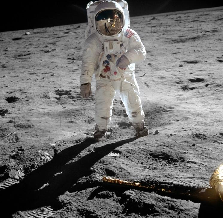 Первые люди на Луне - космонавты США