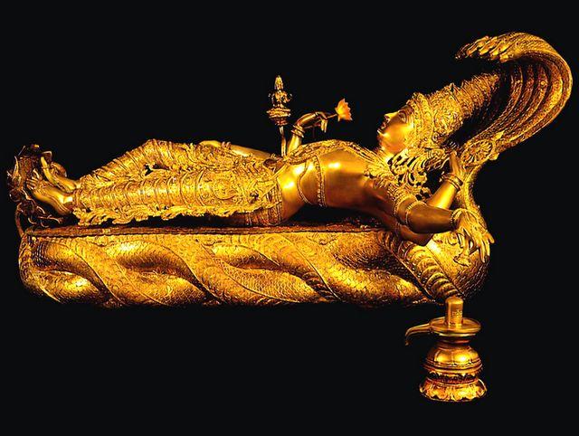 Золотая статуя Вишу