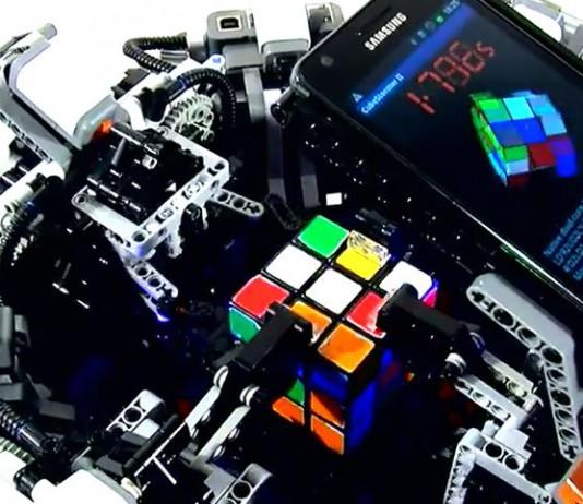 CubeStormer 3 - робот-сборщик кубика Рубика