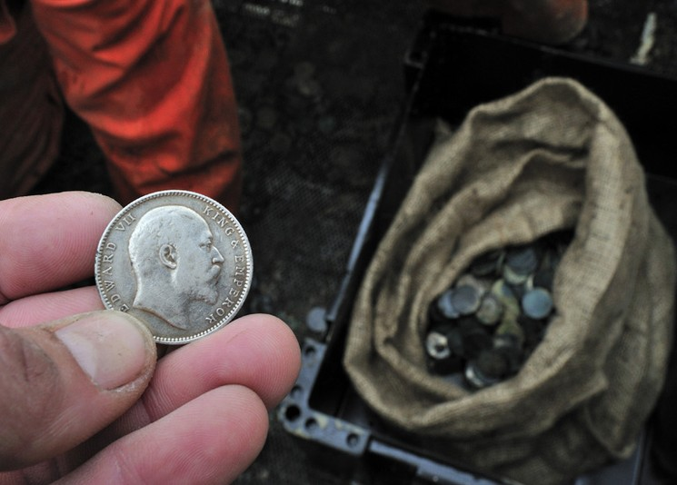 Серебянные монеты с корабля Каир