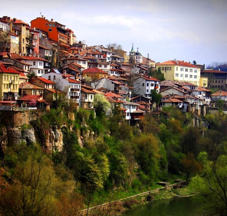 Болгария, Велико-Тырново - город на склоне гор