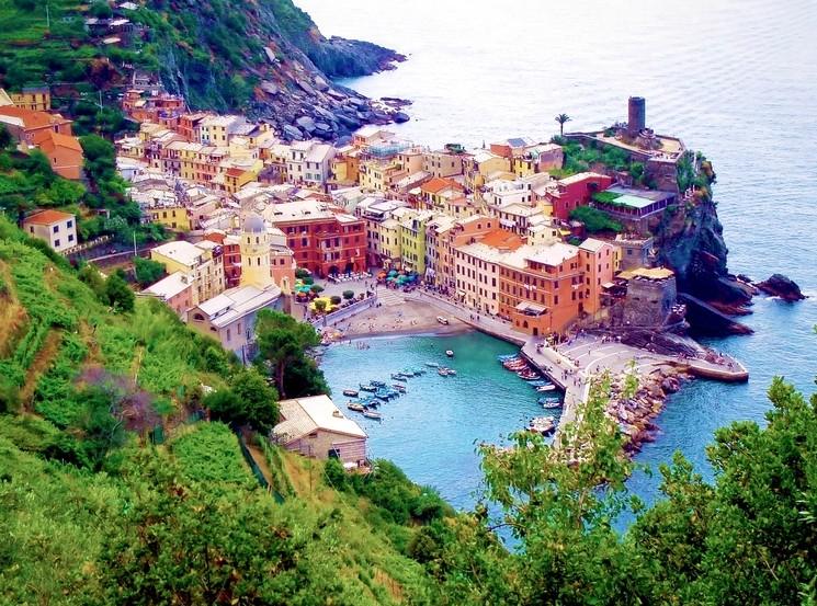 Небольшой городок Вернацца, Италия