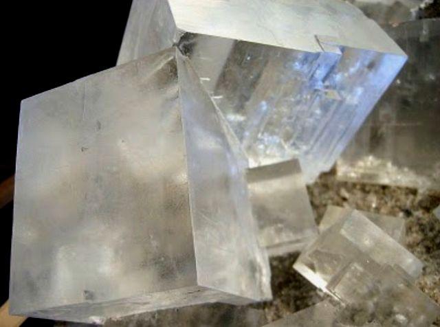 Кристаллы каменной соли