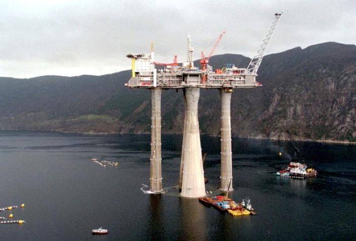 Самая большая в мире морская буровая платформа Troll