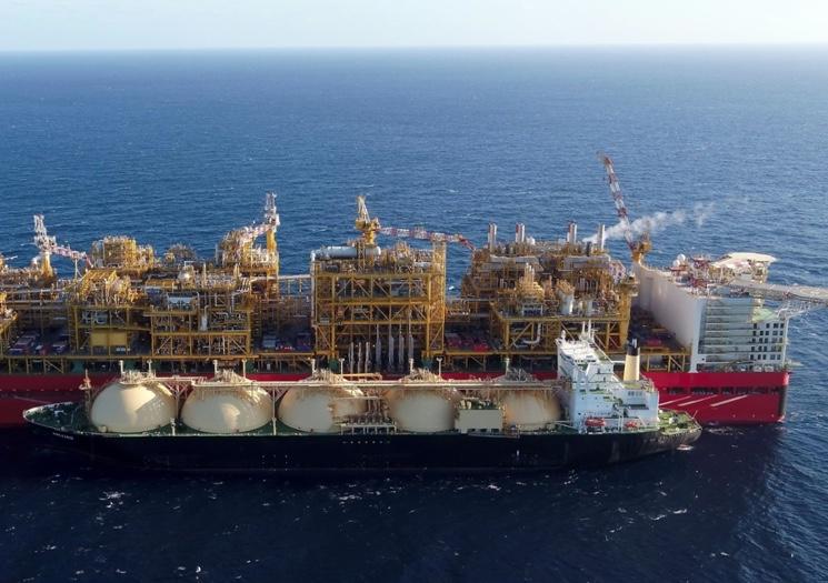 Перекачка газа в газгольдеры транспортного судна