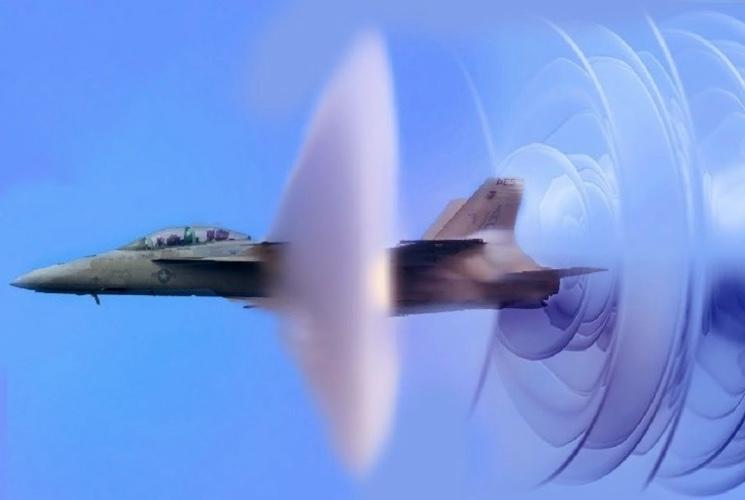 Преодоление самолетом сверхзвукового барьера