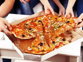 Прием пищи с одной тарелки объединяет людей