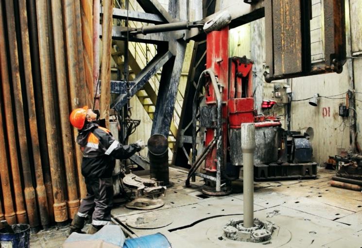 Процесс бурение скважин с нефтью