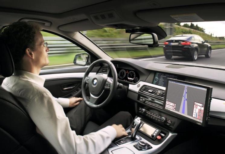 Роботизированное управление автомобилем BMW