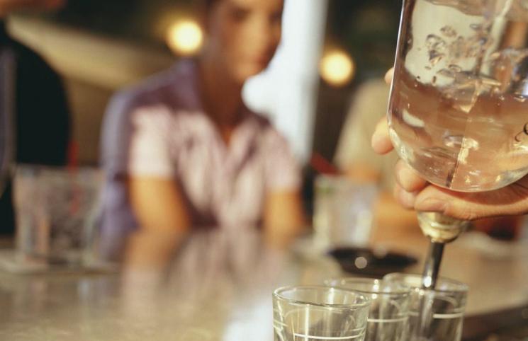 Cколько выводится алкоголь из грудного молока времени