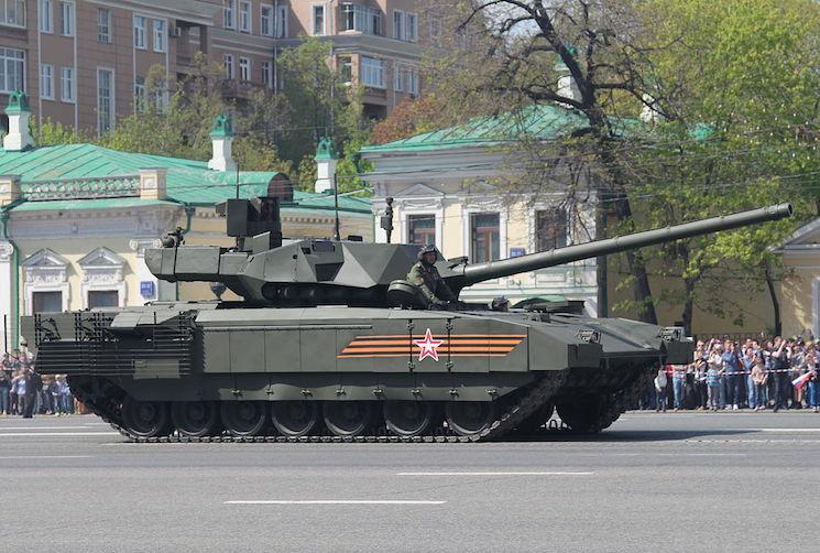 Т-14 Армата в Москве на параде Победы 2015