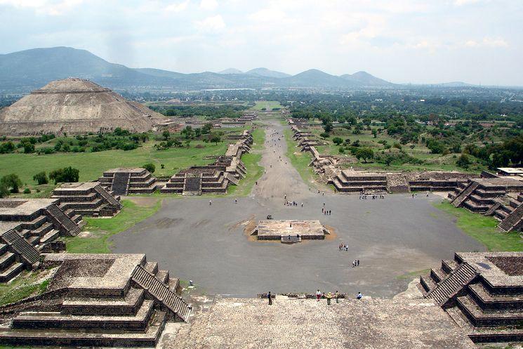 Загадочные пирамиды в городе Теотиуакан