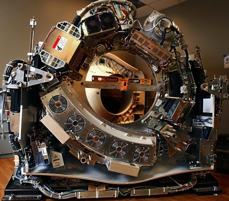 Поперечный разрез томографа