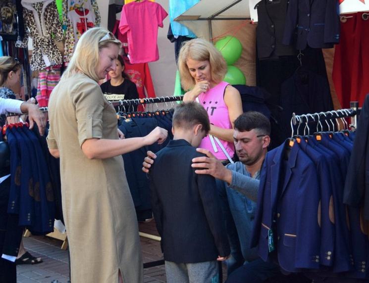 Выбор одежды для первоклассника