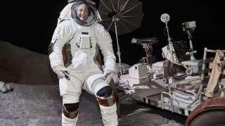 Испытания новых лунных скафандров на МКС