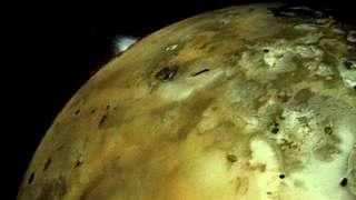 На спутнике Юпитера зафиксировано извержение вулкана