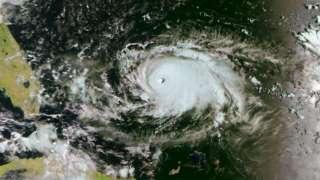Опубликованы снимки из космоса свирепого урагана «Дориан», угрожающего восточному побережью США