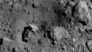 В JAXA подтвердили, что после сброшенного снаряда на поверхности астероида Рюгу образовался кратер