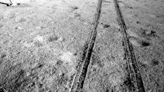 В Сети появились новые фотоснимки поверхности обратной стороны Луны