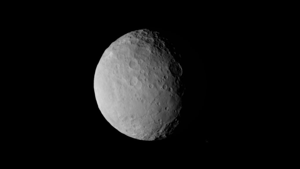 Изучение Цереры зондом Dawn