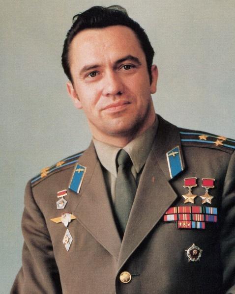 Космонавт Попов Леонид Иванович