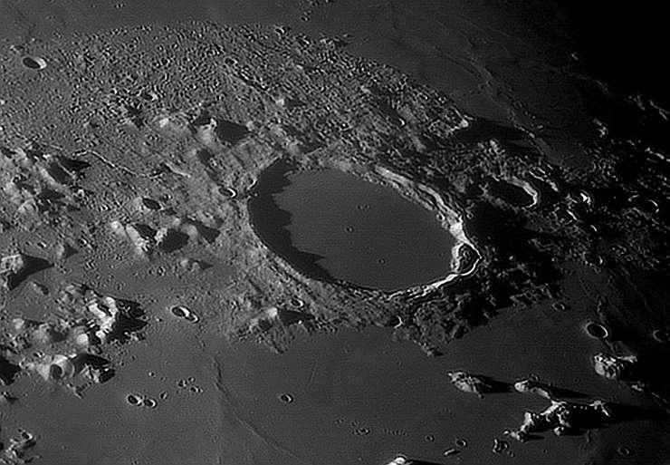 Луна в телескоп