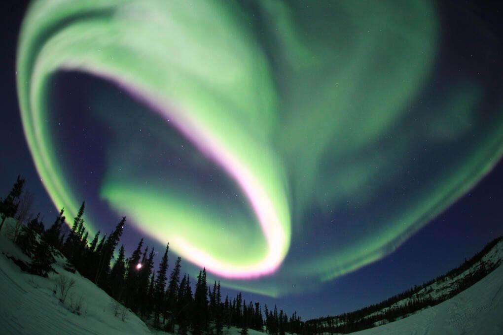 Красивое полярное сияние