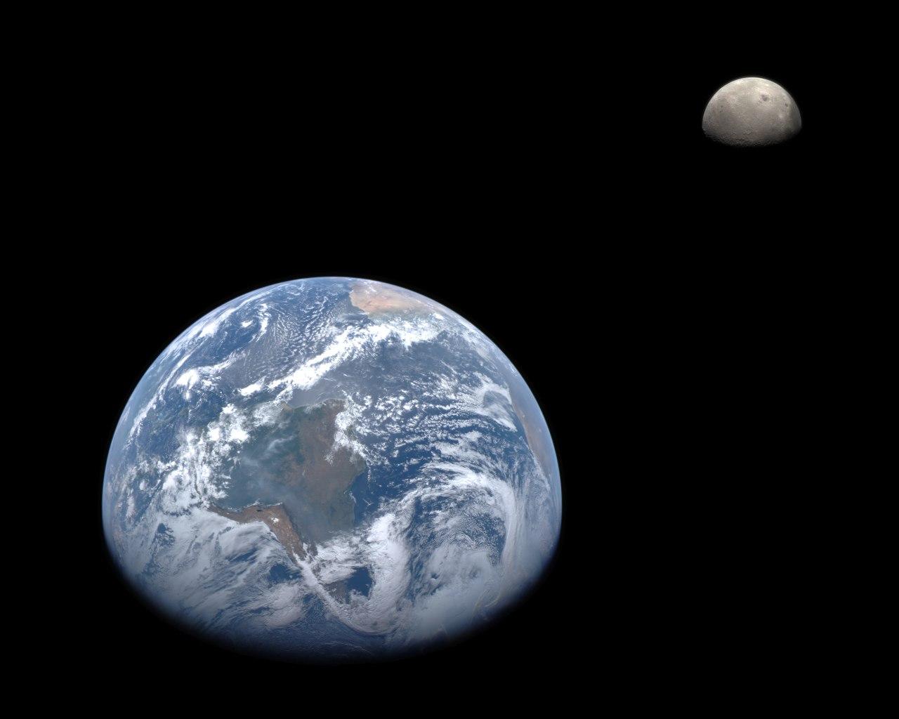Земля и Луна с зонда MESSENGER