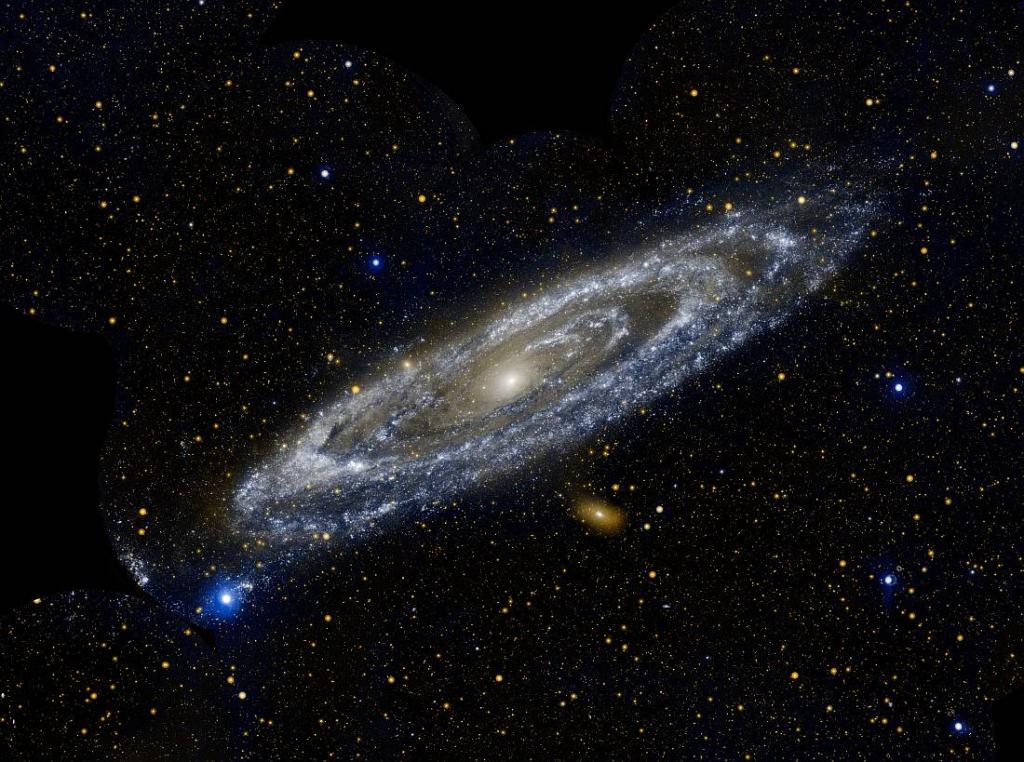 Галактика Андромеды M31 в УФ