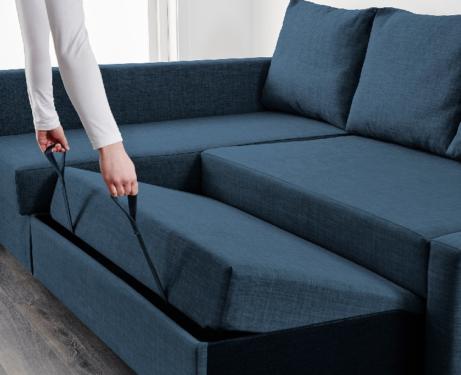Почему угловые диваны со спальным местом выгодны для гостиной?