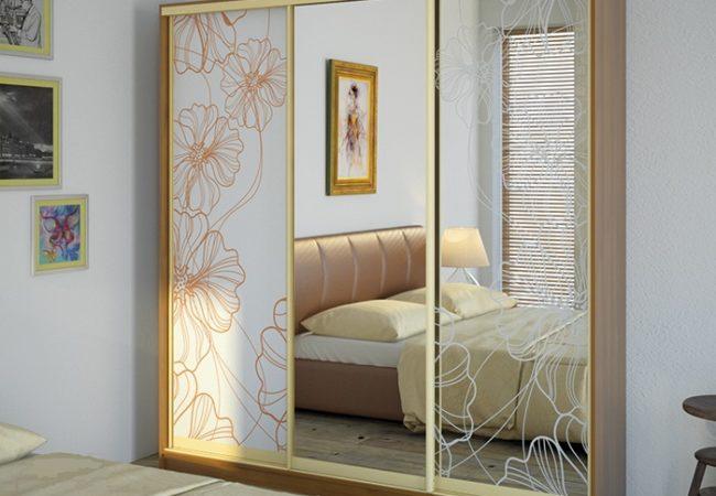 Популярным и функциональным предметом мебели в последнее время является шкаф купе