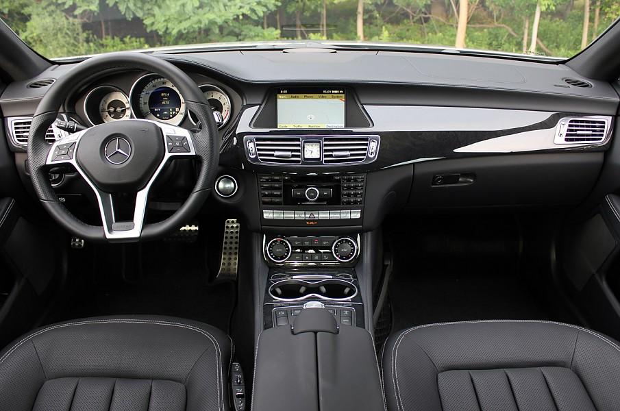 Автомобили Mercedes-Benz CLS550 из США с доставкой в Украину от Колумб Трейд