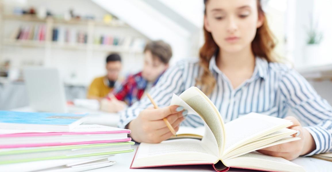 Почему подготовительные курсы ЕГЭ и ОГЭ в СПб — залог успешной сдачи экзаменов?
