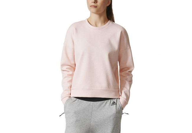 Стильные брендовые женские футболки с принтом дополнят ваш гардероб