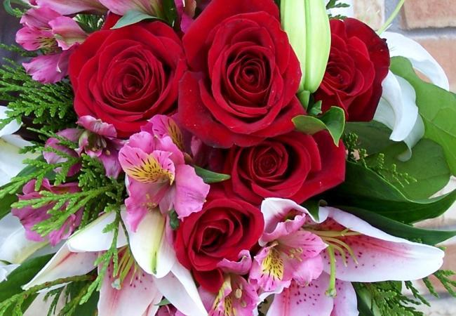 Как выбрать современный сервис по доставке цветов в Москве?