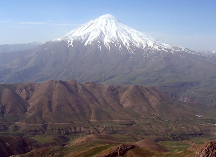 Потухший вулкан Демавенд