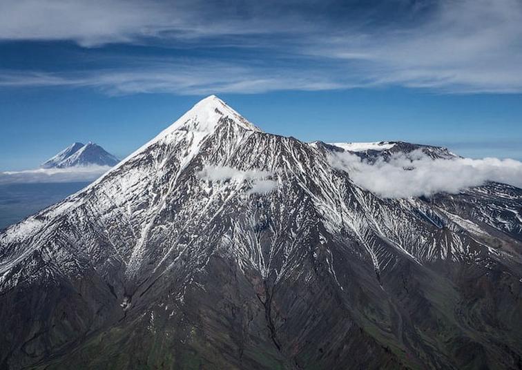 Потухший вулкан Каменистый