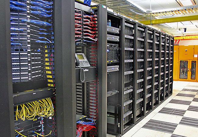 Проблемы безопасности дата-центров (ЦОД): как избежать рисков?