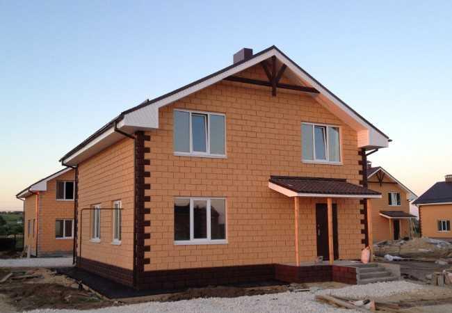 Строительство кирпичных домов в Москве. Преимущества кирпича при строительстве дома