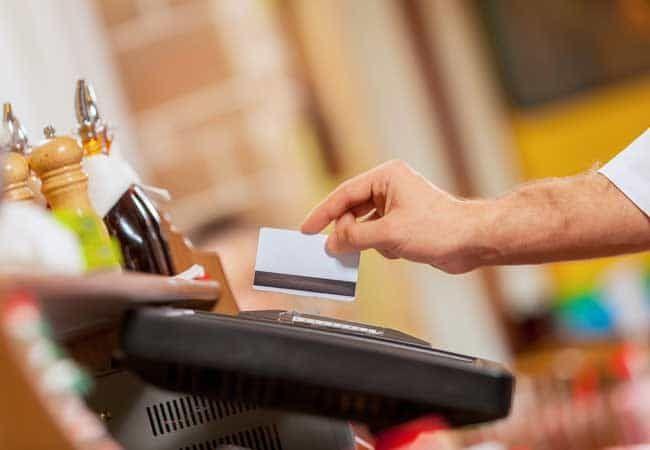 Онлайн-кредит редко предлагается в банках. Чем удобен онлайн кредит?