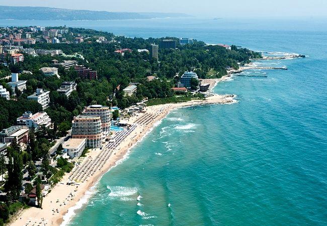 Куда улететь этим летом на отдых? Горящие туры в Болгарию