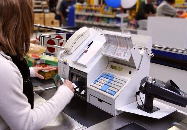 Торговое и банковское оборудование: онлайн-кассы, сейфы