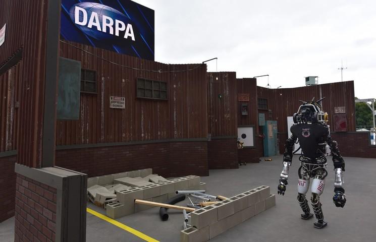 Финалисты олимпиады роботов DARPA Robotics