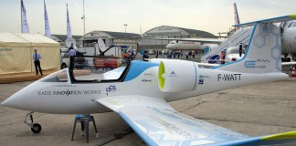 Учебно-тренировочный электро-самолёт E-Fan