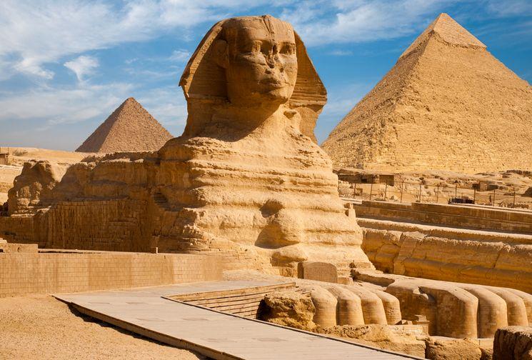 Сфинкс, хранящий тайны египетских пирамид