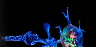 Электрический ток в газах - молния и люминесцентное свечение