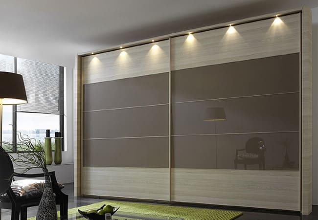 Шкафы с распашными фасадами: разновидности и варианты наполнения