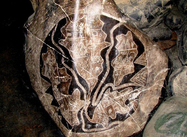 Возможная карта Атлантиды, нанесенная на камень Ики